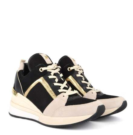 Georgie Trainer, light cream multi