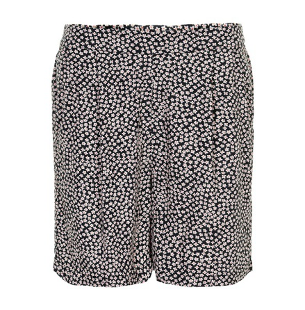 Zoe Larissa Shorts - Soaked in Luxury