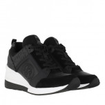 Georgie Trainer, black